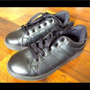 Catapult boys size 1 shoes sneakers black
